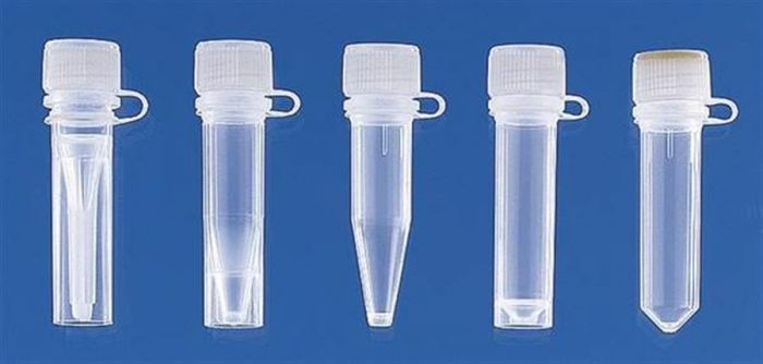 Micro tube (PP) with attached screw cap (PE)