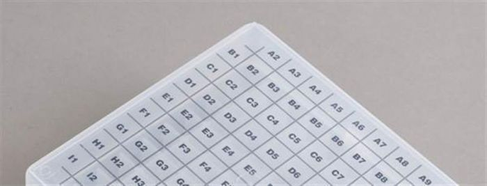 Replacement self adhesive grids for 100 place freezer boxes - Pack 10